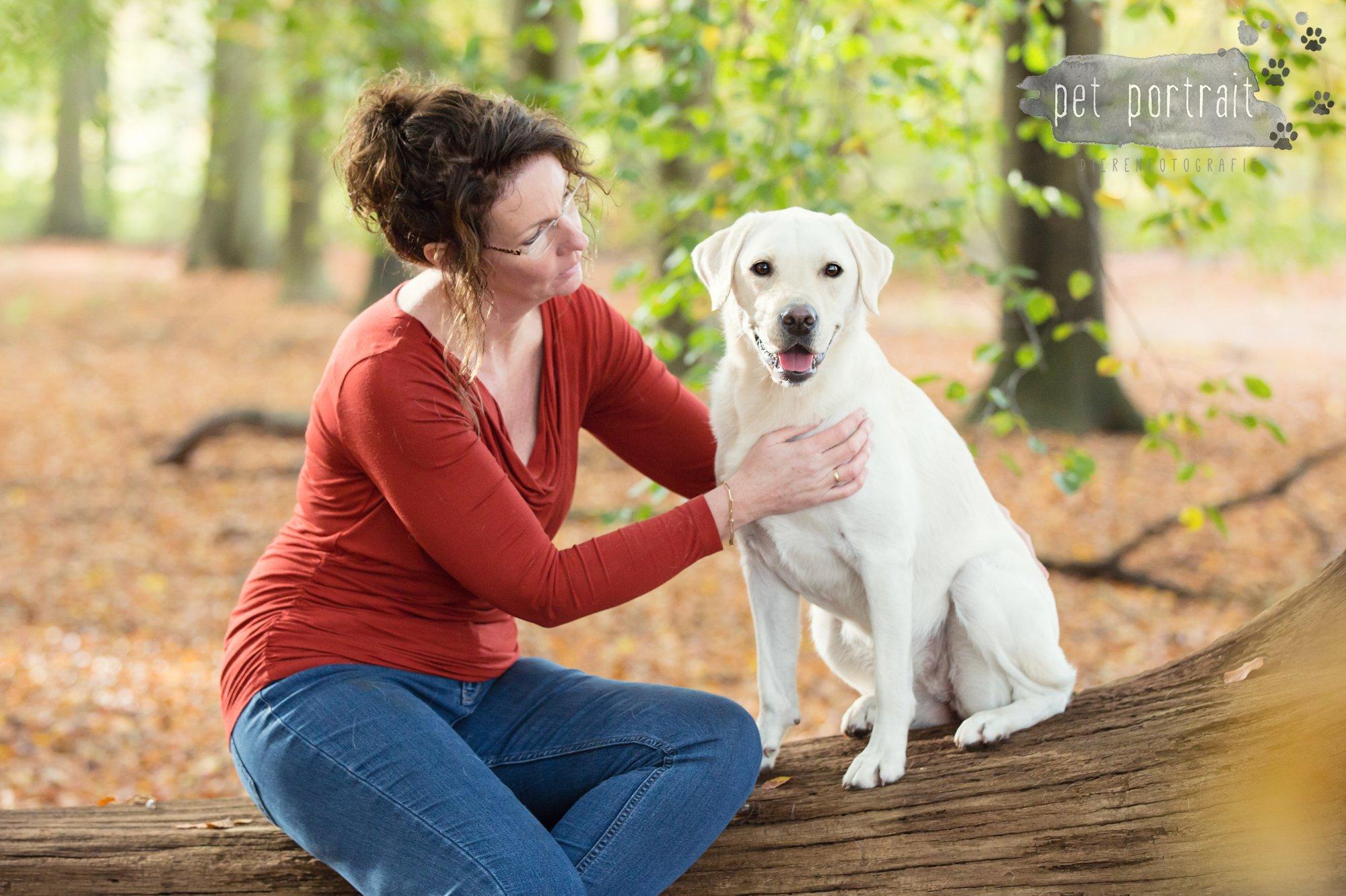hondenfotograaf-s-graveland-beloved-dier-en-baasje-fotoshoot-labrador-juul-6