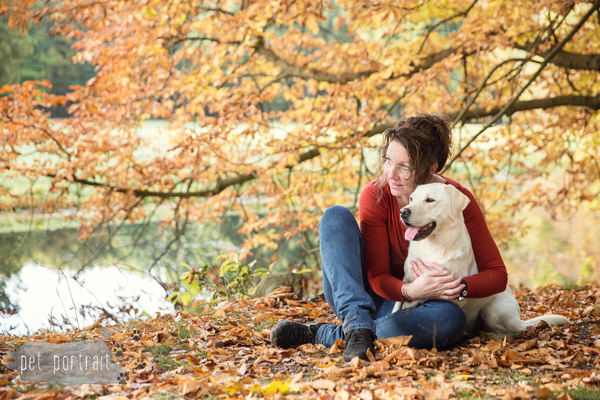 hondenfotograaf-s-graveland-beloved-dier-en-baasje-fotoshoot-labrador-juul-9
