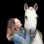 Dierenfotograaf Zeeland - Beloved Dier en Baasje fotoshoot op stal